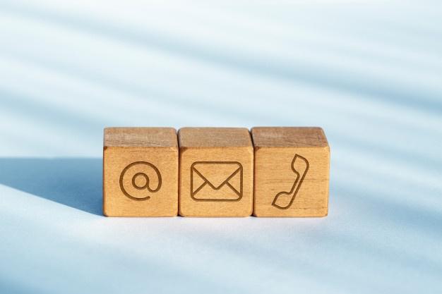 træklodser med kontakt logo